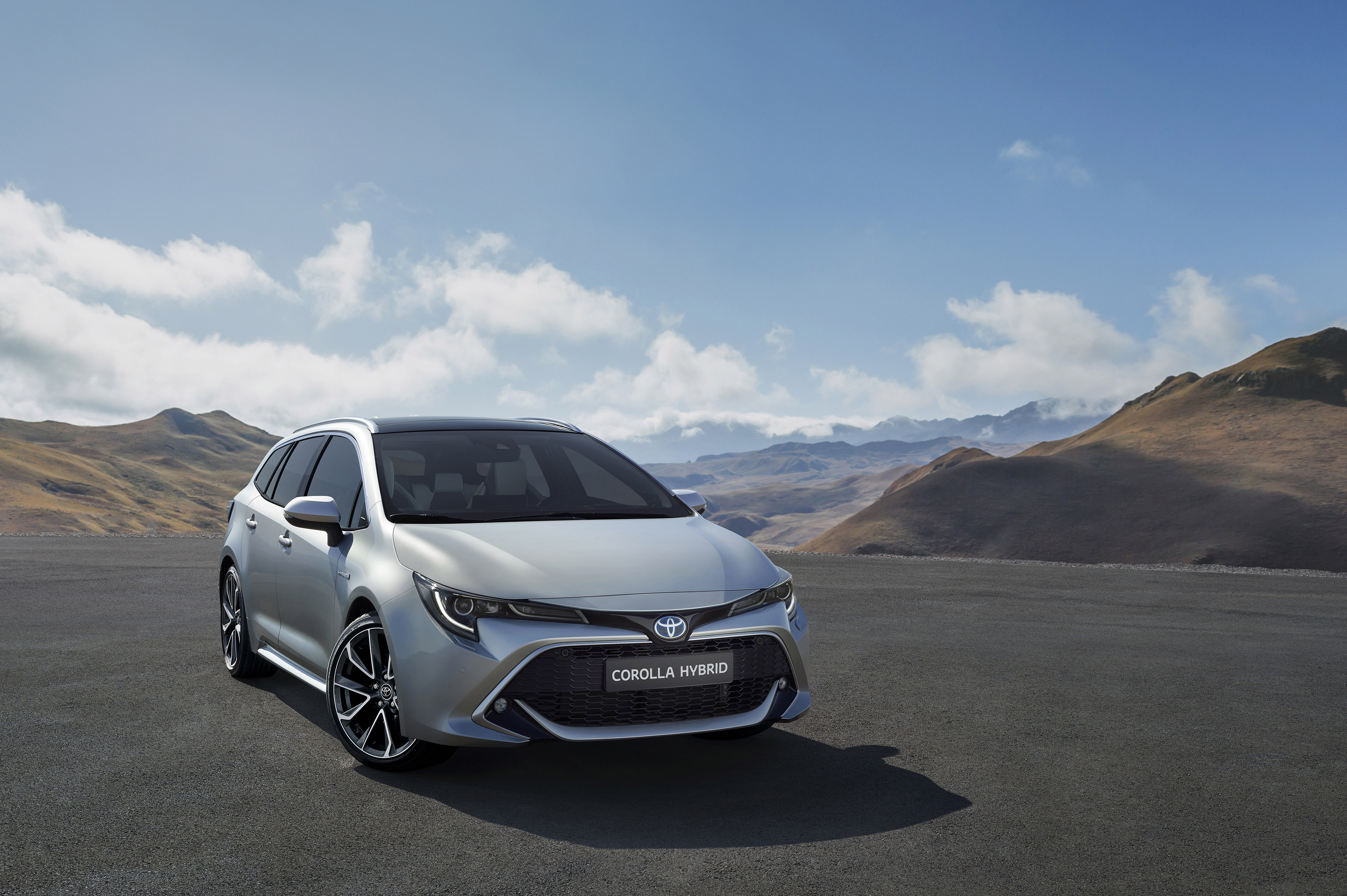 Toyota-Corolla-Touring-Sports Zilver
