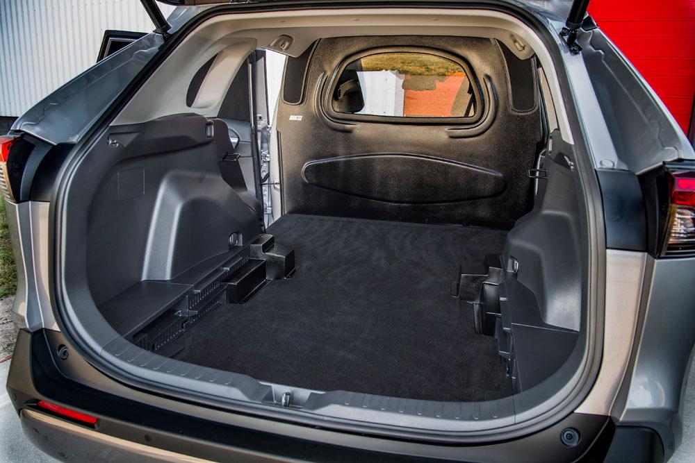 07-Eerste-hybride-bedrijfswagen-van-Toyota-de-RAV4-Van
