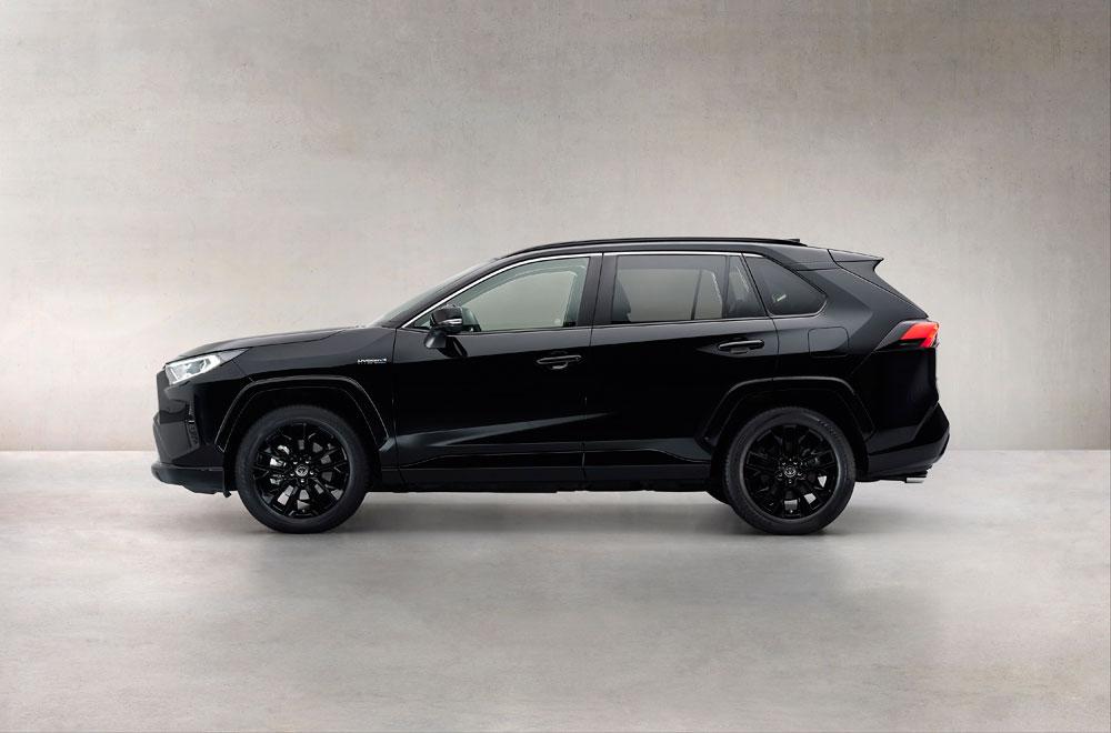 stijlvol-zwart-voor-populaire-RAV-4