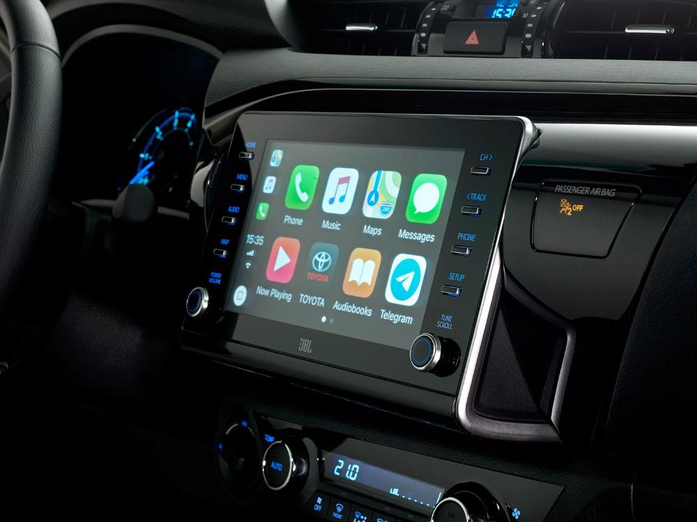 Toyota-Hilux-info-display