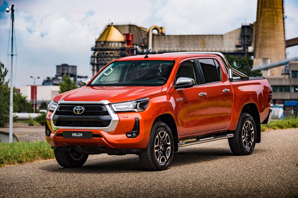 Toyota-Hilux-vooraanzicht-zijkant