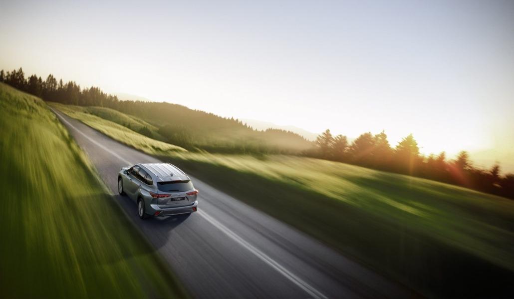 Toyota-Highlander-rijden