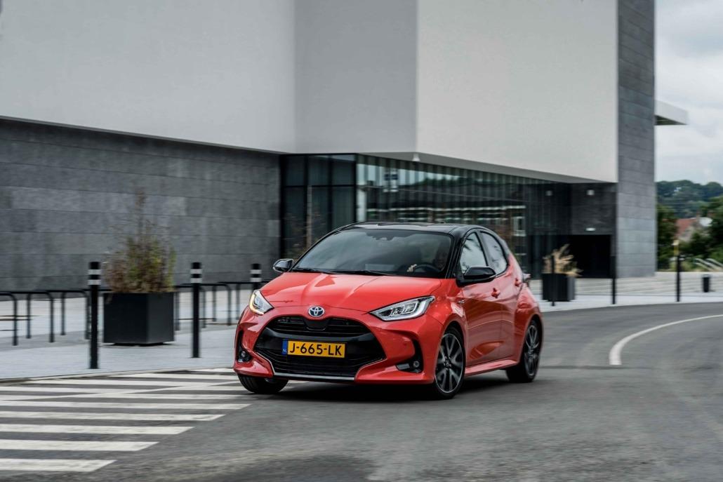 02-Toyota-Yaris-Europese-Auto-van-het-Jaar-2021