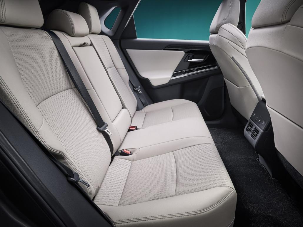 10_Toyota_bZ4X_Concept_interieur-1500x1125