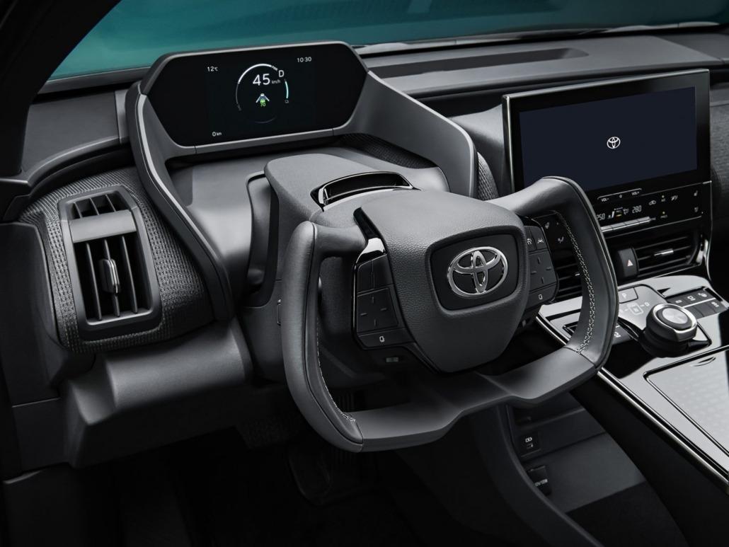 11_Toyota_bZ4X_Concept_interieur-1500x1125