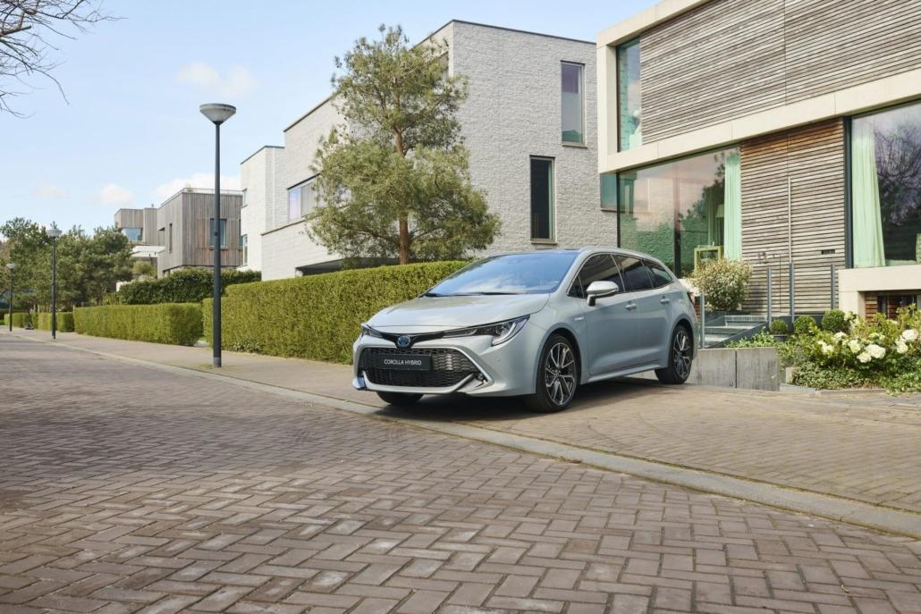 03-Toyota-upgrade-Hybrid-1500x1000